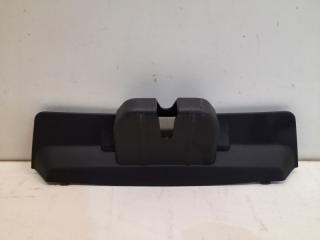Запчасть накладка замка багажника Porsche Cayenne 2010-2018