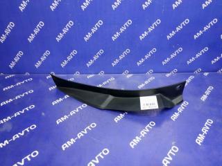 Запчасть накладка на стоп сигнал задняя правая TOYOTA HARRIER 2004