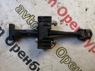Запчасть ограничитель двери задний Opel astra 2004-2014
