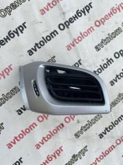 Запчасть дефлектор воздуховод правый Citroen C3 2010
