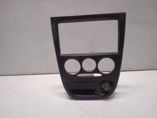 Рамка магнитолы Kia Rio 1 2000-2005 0K30A55211 Б/У