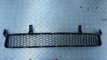 Запчасть решетка нижняя в бампер Lexus CT200H 2011-2013