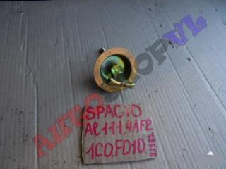 Запчасть крепление запасного колеса TOYOTA COROLLA SPACIO 09.1999г.