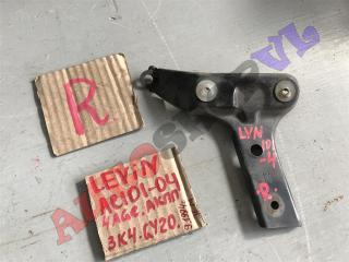Крепление брызговиков заднее правое TOYOTA COROLLA LEVIN 1993-1995