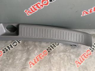 Накладка замка багажника TOYOTA VISTA ARDEO AZV50