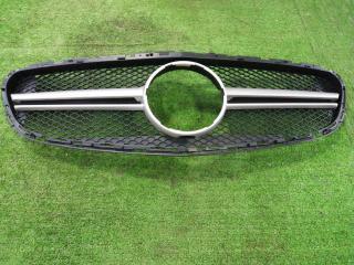 Решетка радиатора Mercedes-Benz E-Class
