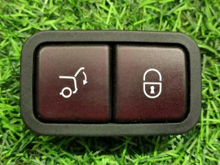 Кнопка закрытия крышки багажника Mercedes-Benz E-Class