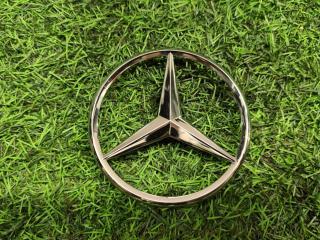 Эмблема крышки багажника Mercedes-Benz GLS-Class