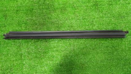 Уплотнитель стекла задний левый Mercedes-Benz GLS-Class