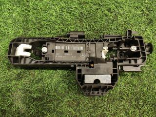 Запчасть механизм ручки двери задний левый Mercedes-Benz E-Class