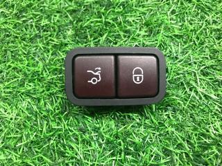 Кнопка закрытия крышки багажника Mercedes-Benz C-Class