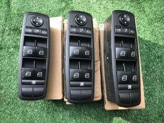 Блок кнопок стеклоподъемника передний левый Mercedes-Benz M-Class