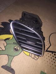 Воздушный дефлектор передний правый Audi A5 2010