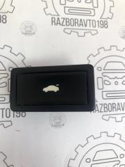 Запчасть кнопка открывания багажника Audi Q7 2013