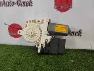 Мотор стеклоподъемника задний правый VOLKSWAGEN BORA