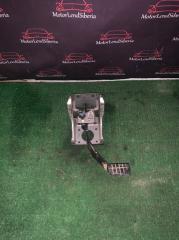 Запчасть педаль тормоза Nissan NP300 2013