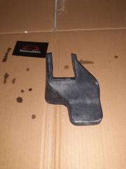 Запчасть крышка кронштейна сиденья передняя правая Mazda CX-7 2008