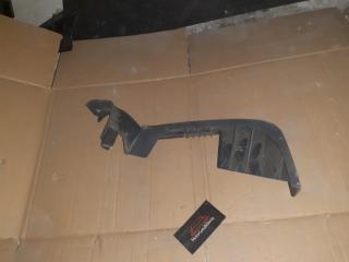Запчасть крышка кронштейна сиденья правая Chevrolet TrailBlazer 2012