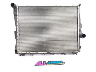 Радиатор охлаждения двигателя передний BMW 3-Series 2001 - 2006