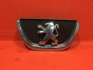 Эмблема передняя Peugeot 107 Хетчбэк CFB (1KR-FE) 1.0 контрактная