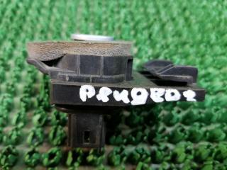 Запчасть кнопка багажника Peugeot 407 2004-2010