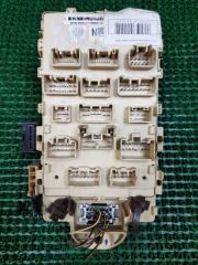 Блок предохранителей Toyota Yaris 2 2005-2011