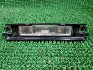 Дополнительный стоп сигнал Toyota Yaris 2 2005-2011