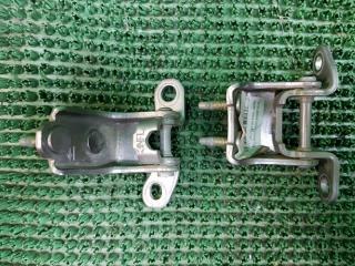 Запчасть петли дверей задние левые Honda Odyssey 1999-2003