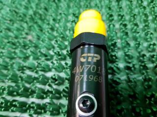 Форсунка распылитель 4W7018 Caterpillar
