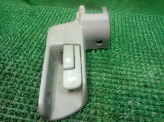 Ручка открывания багажника и бензобака правая Toyota Mark 2 1996-2000