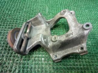 Кронштейн компрессора кондиционера Toyota Granvia