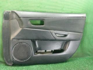 Обшивка двери передняя правая Mazda 3