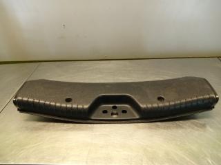 Запчасть накладка багажника задняя Ford Mondeo 2001
