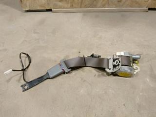 Запчасть ремень безопасности правый Toyota Hilux 2011