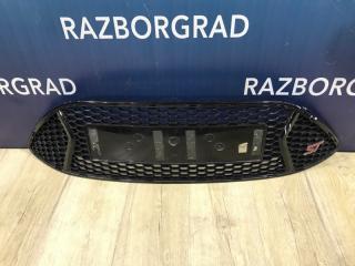 Запчасть решетка в бампер Ford Focus 3 ST 2013