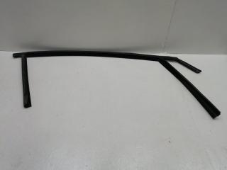 Уплотнительная резинка передняя правая FORD FOCUS 3 2012