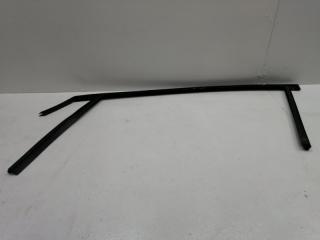 Уплотнительная резинка передняя правая FORD FOCUS 3 2013