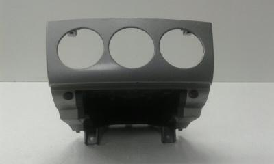 Запчасть накладка (кузов внутри) передняя PEUGEOT 308 2007-2011