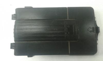 Запчасть крышка аккумулятора передняя VOLKSWAGEN PASSAT B6 2005-2010