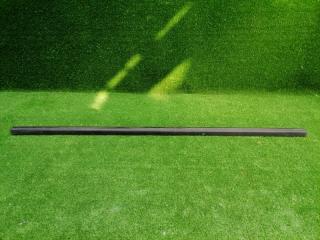Уплотнительная резинка передняя левая FORD FOCUS 2 2008-2011