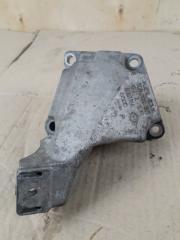 Запчасть лапа двигателя левая VAG A4 1998-2005
