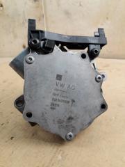 Запчасть вакуумный насос Audi Passat