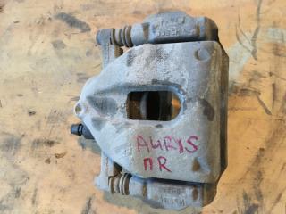 Суппорт тормозной передний правый Toyota Auris 2006-2010