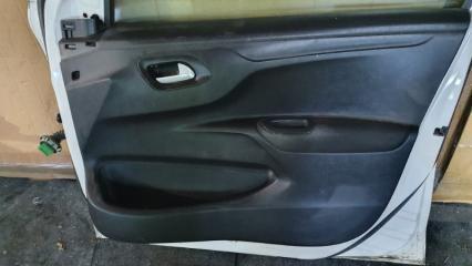 Запчасть обшивка двери передняя правая Citroen C-Elysee