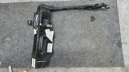 Запчасть рамка радиатора правая Lexus IS250  05