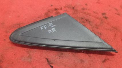 Запчасть накладка на крыло передняя правая Ford Focus 2 2010