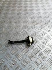 Запчасть ограничитель двери Geely MK 2012