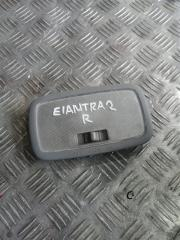 Запчасть плафон задний Hyundai Elantra 2008