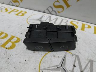 Запчасть кнопка центрального замка правая Mercedes E-class 2011