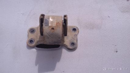 Подушка двигателя левая MITSUBISHI LANCER 9 2000 2001 2002 2003 2004 2005 2006 2007 2008 2009 2010 2011